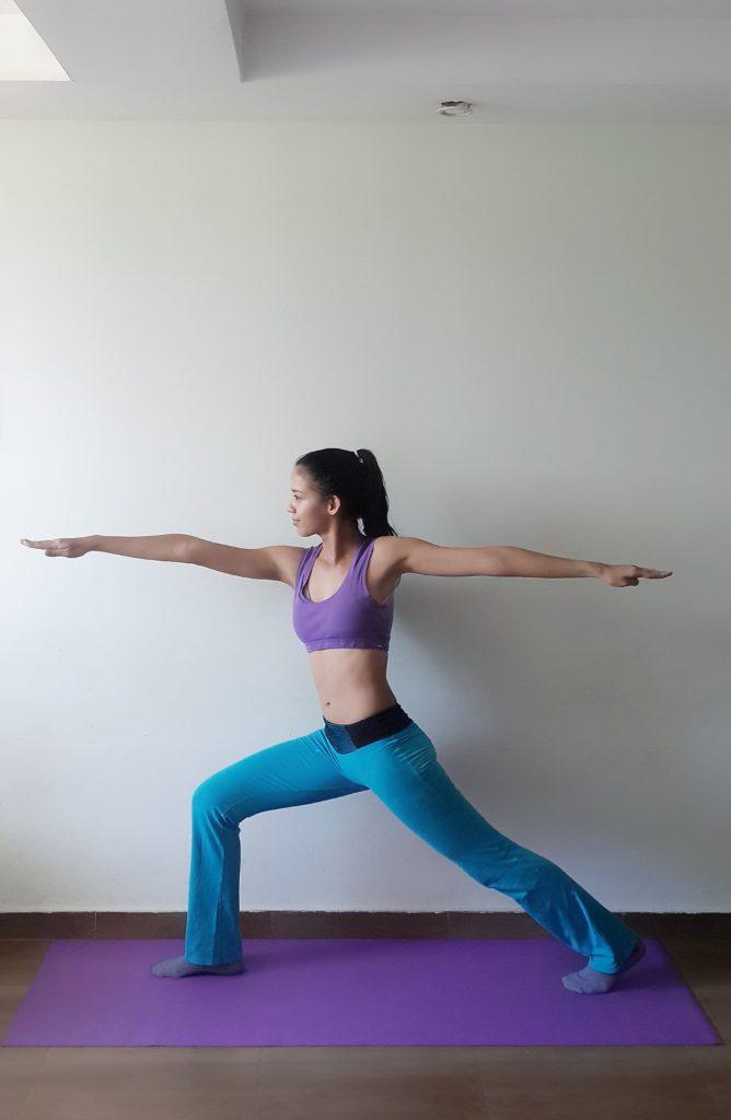 Krieger 2 Yoga Figur Übung